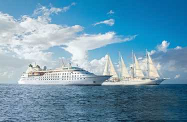 Big-Cruise-Ship-vs-Small-Cruise-Ships-min