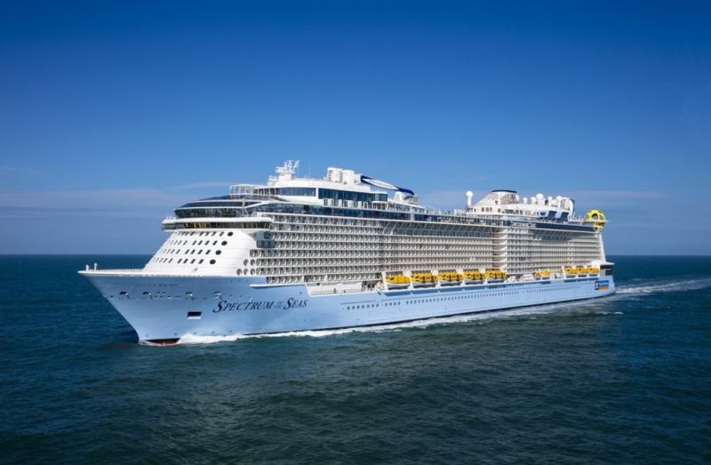 Spectrum_of_the_Seas_01_Herman_IJsseling-fill-800x523.jpg