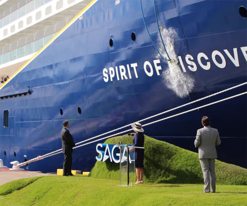 spirit_of_discovery_christening_1