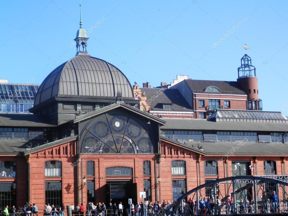 depositphotos_122381074-stock-photo-fischmarkt-building-in-hamburg