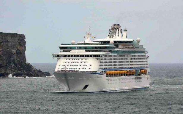 Explorer_of_the_Seas_10-fill-800x501