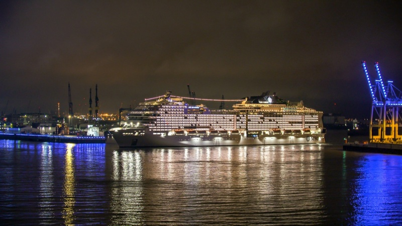 MSC_Grandiosa_arrives_in_Hamburg_3-fill-800x450